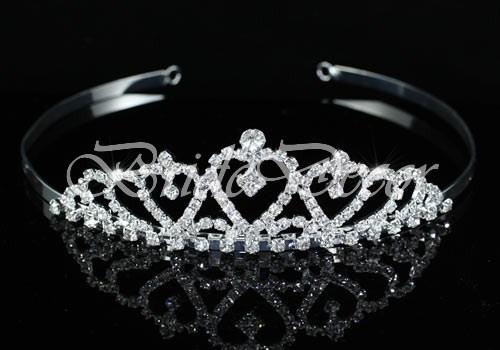 Диадема для невесты «Сердце в цветах»
