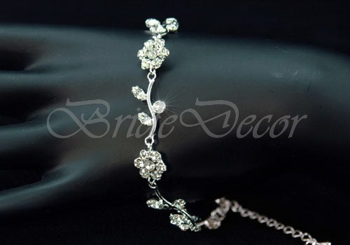 Браслет на руку «Серебристые цветы»